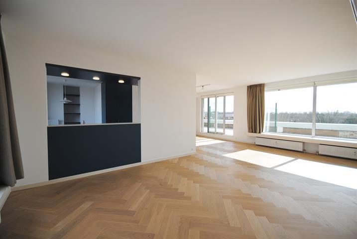 Appartementpenthouse te Antwerpen, Sneeuwbeslaan 17