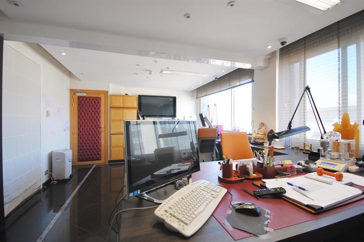 Kantoorkantoor te Antwerpen, Hoveniersstraat 30