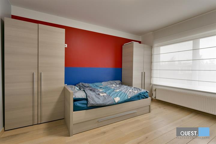 Huisbel-etage te Edegem, Hendrik Kennisstraat 42