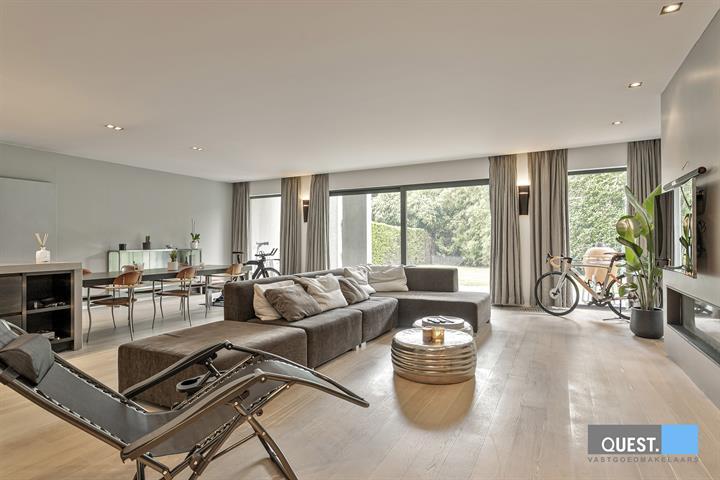 Appartementuitzonderlijk appartement te Kontich, Groeningenlei 144